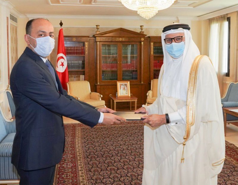وزير الخارجية يتسلم نسخة من أوراق اعتماد سفير الجمهورية التونسية