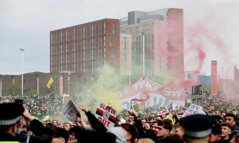 مانشستر يونايتد يتعهد بملاحقة مرتكبي العنف