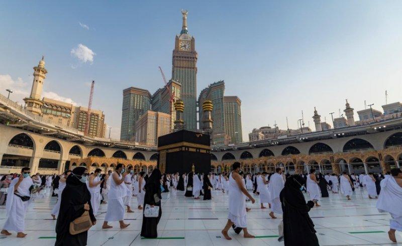 المسجد الحرام يستقبل أكثر من ثلاثة ملايين معتمر ومصل منذ بداية شهر رمضان المبارك