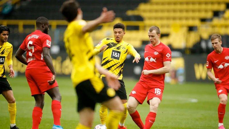 بايرن ميونيخ بطلاً للدوري الألماني بعد خسارة لايبزيغ