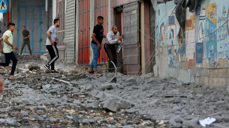 عائلات قادة فصائل غزة تتجه إلى مصر..عقب ضربات إسرائيلية