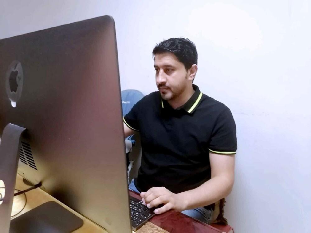 محمد الستراوي يصمم وينفذ ملحق التغطية