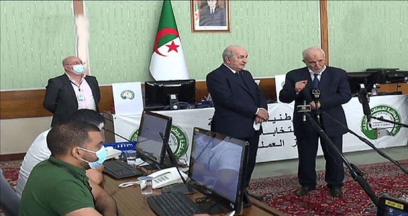 """تبون عن انتخابات الجزائر: """"عهد الجاهلية"""" ولى"""