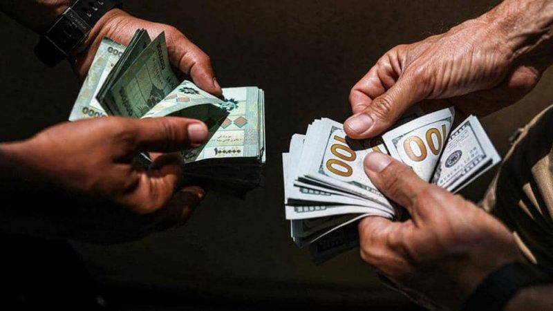 أموال المغتربين والسياح تنقذ المنظومة التجارية في لبنان
