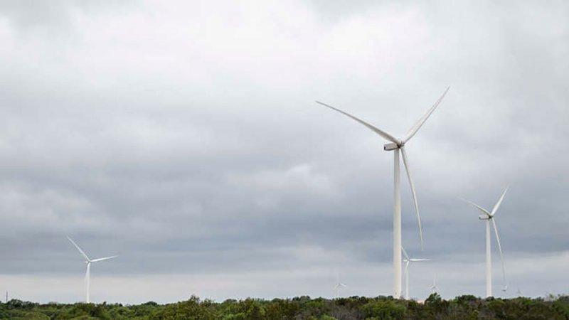 استطلاع: معظم الأميركيين يؤيدون الانتقال الكلي للطاقة النظيفة