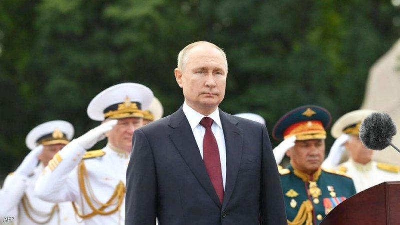 """بوتين يشيد بالأسطول الروسي """"المدمر"""""""