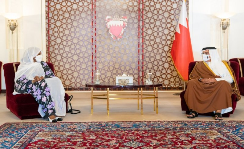 سمو ولي العهد رئيس مجلس الوزراء: مواصلة تعزيز العلاقات البحرينية السودانية والدفع بها نحو مزيد من العمل والتنسيق المشترك