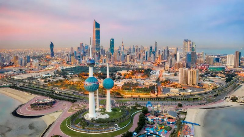 صحيفة: الكويت تبدأ خفض رواتب عاملين بنسب تصل لـ50%