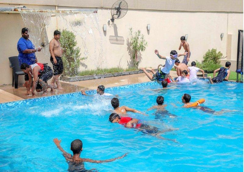 """حجوزات برك السباحة """"full"""""""