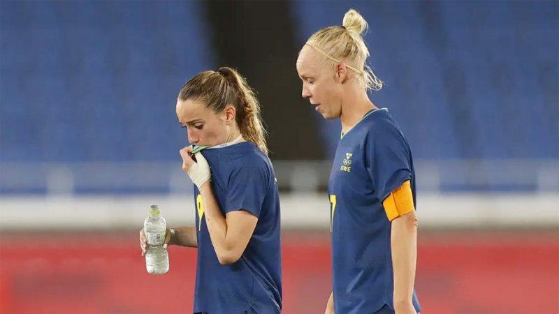 السويد وكندا تطالبان بتأجيل نهائي كرة القدم للسيدات