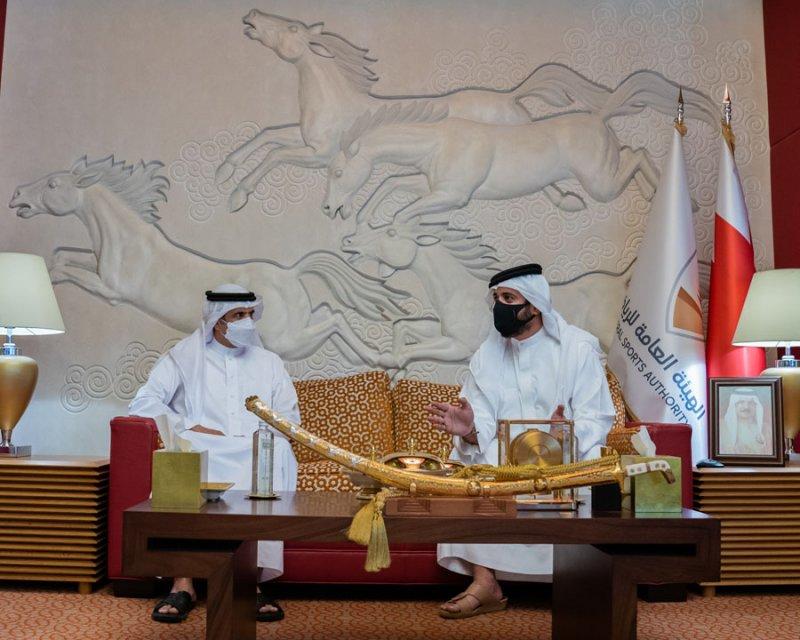 خالد بن حمد: نقدر دور الإعلام في دعم المبادرات والبرامج التي ترتقي بالشباب البحريني