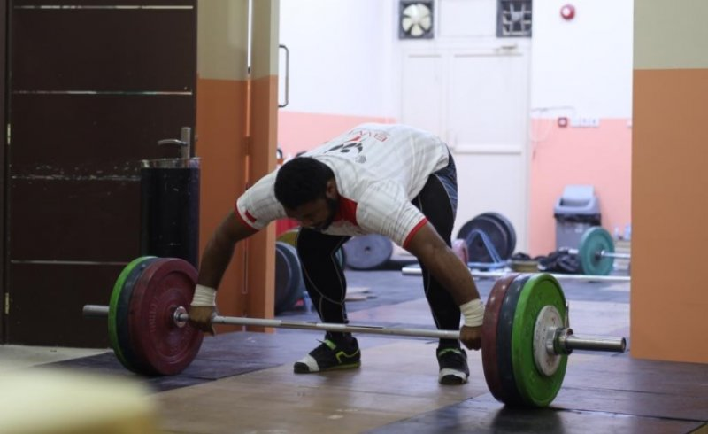 الاتحاد البحريني لرفع الأثقال يواصل استعداداته للمشاركة في عالمية الشباب والبطولة العربية