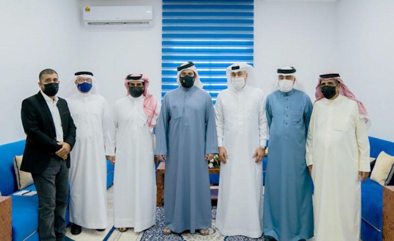 خالد بن حمد يزور ناديي الحد وسماهيج