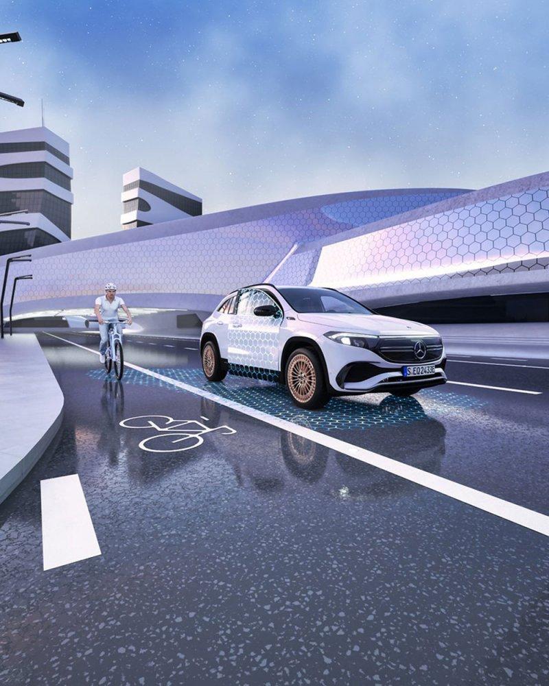 مرسيدس تطور أنظمة لمساعدة السائق على تجنب الحوادث