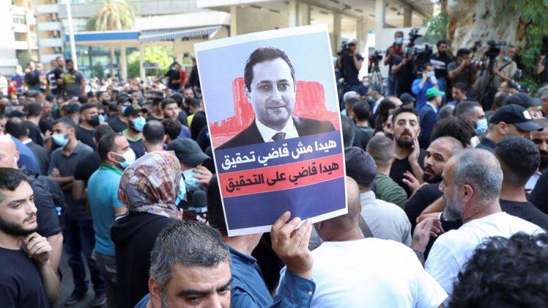 اشتباكات في بيروت ومناصرو حزب الله يطلقون النار