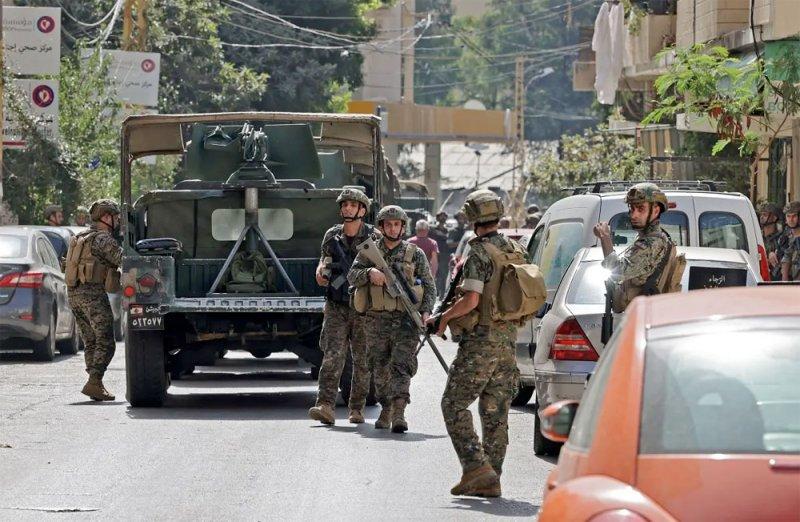 بالفيديو: قذائف ورصاص في بيروت.. وعشرات القناصين على الأسطح