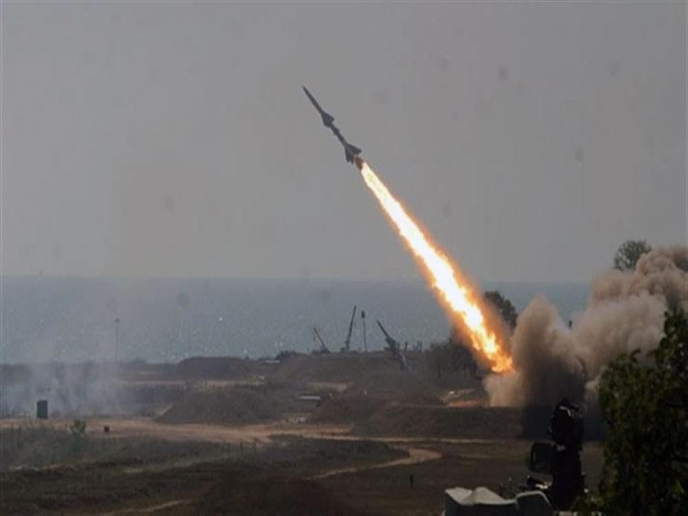 طيران الاحتلال الإسرائيلي يستهدف المنطقة المحيطة بالميناء غرب خان يونس