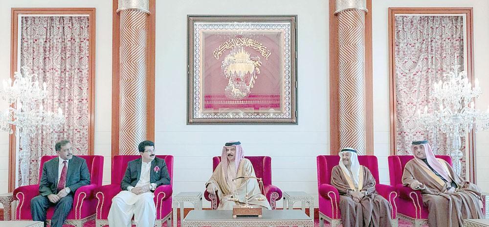 جلالة الملك: نقدّر المواقف المشرّفة لإسلام آباد تجاه البحرين