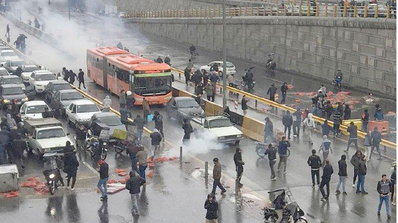 مطالبات دولية بالتحقيق في مقتل 304 متظاهرين بإيران