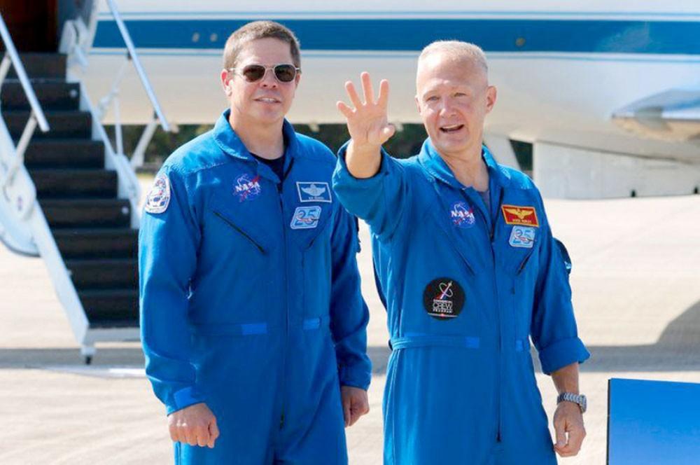 """رائدا فضاء """"ناسا"""" يعودان إلى الأرض اليوم"""